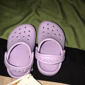 Crocs size 4 lilac infant shoe